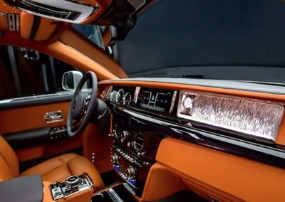 Rolls-Royce Phantom-front
